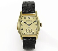 This Henry Graves Jr. yellow gold Tonneau minute repeating wristwatch by Patek Philippe is tipped to sell for about $US800,000 at auction. Photo: Bloomberg.