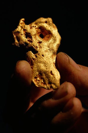 GOLD Kalgoorlie 070508 AFR pic by Erin Jonasson. Gold Nuggets found in the Kalgoorlie Boulder reigon of WA. Cranston Edwards of Kalgoorlie Nuggets displays some of his find. generic hold for files. FIRST USE AFR SPECIALX 00079750