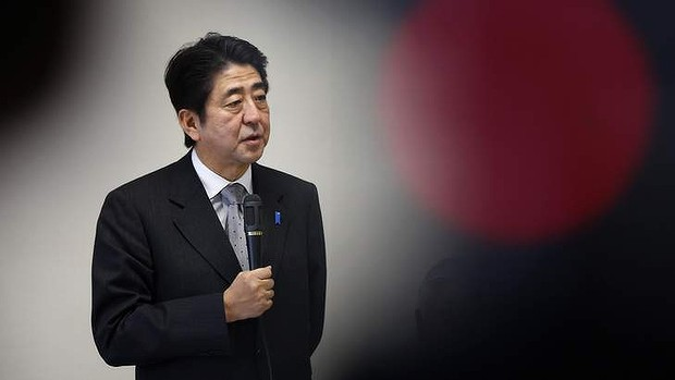 Shinzo Abe, Japan's incoming prime minister and the leader of Liberal Democratic Party (LDP), speaks during a meeting at the LDP headquarters in Tokyo December 20, 2012. The Bank of Japan delivered its third dose of monetary stimulus in four months on Thursday in a prelude to more aggressive action next year, as it faces intensifying pressure from the country's next leader for stronger efforts to beat deflation.   REUTERS/Yuriko Nakao (JAPAN - Tags: BUSINESS POLITICS)